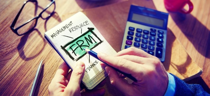 4 must have qualities for financial risk managers to succeed